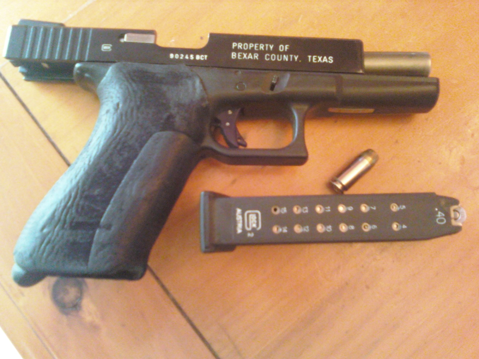 Click image for larger version.  Name:glock.jpg Views:6964 Size:334.4 KB ID:495