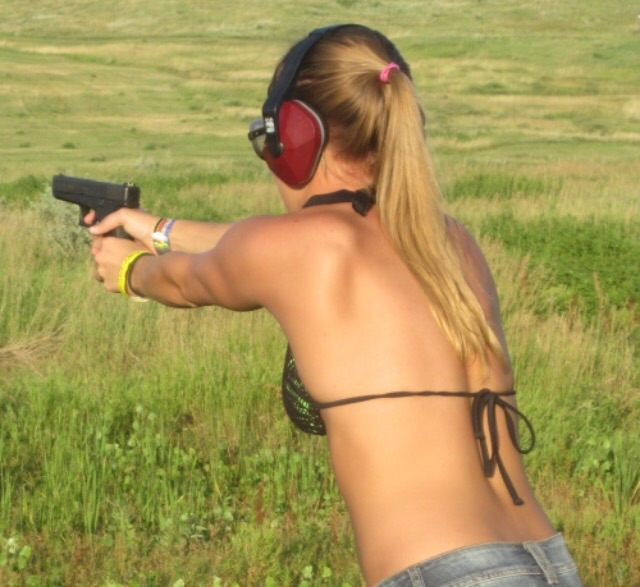 Hot Babes With Big. Guns in 2014 Hot Shots Calendar - RightThisMinute