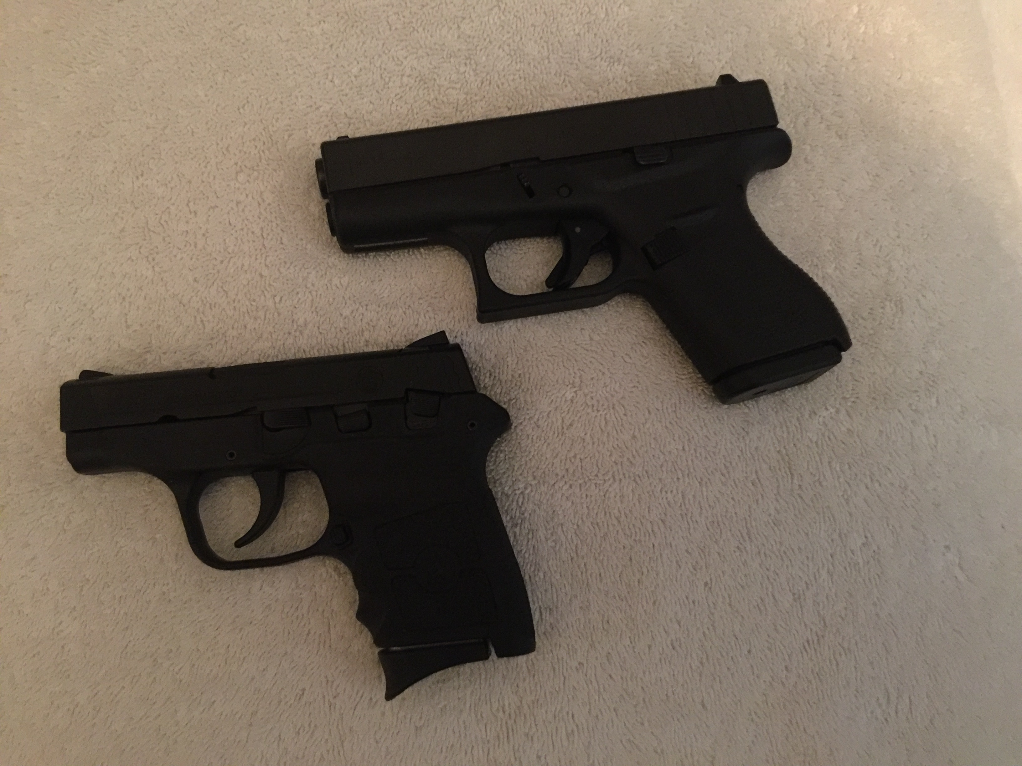 What's the largest revolver or automatic you pocket carry?-img_0768.jpg