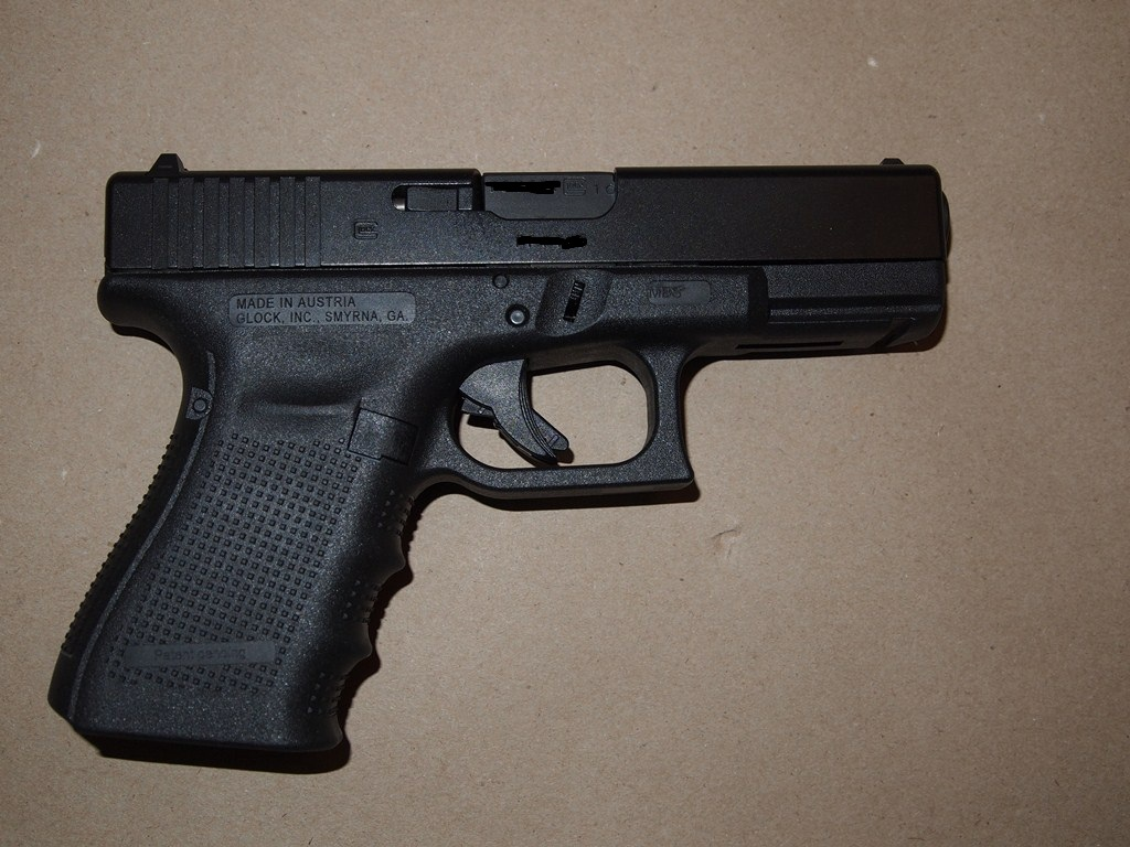 WTS: Glock 19 Gen 4 with 3 mags 0 + Shipping FIRM-p6230284.jpg