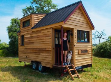 Click image for larger version.  Name:tiny-house1-370x272.jpg Views:27 Size:27.8 KB ID:18641